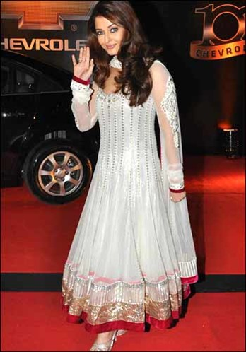 Aishwarya Rai in White Anarkali Dress