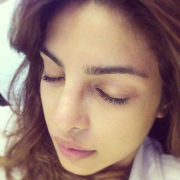 Bollywood Actresses Who Have Rocked With Their No Makeup Selfies