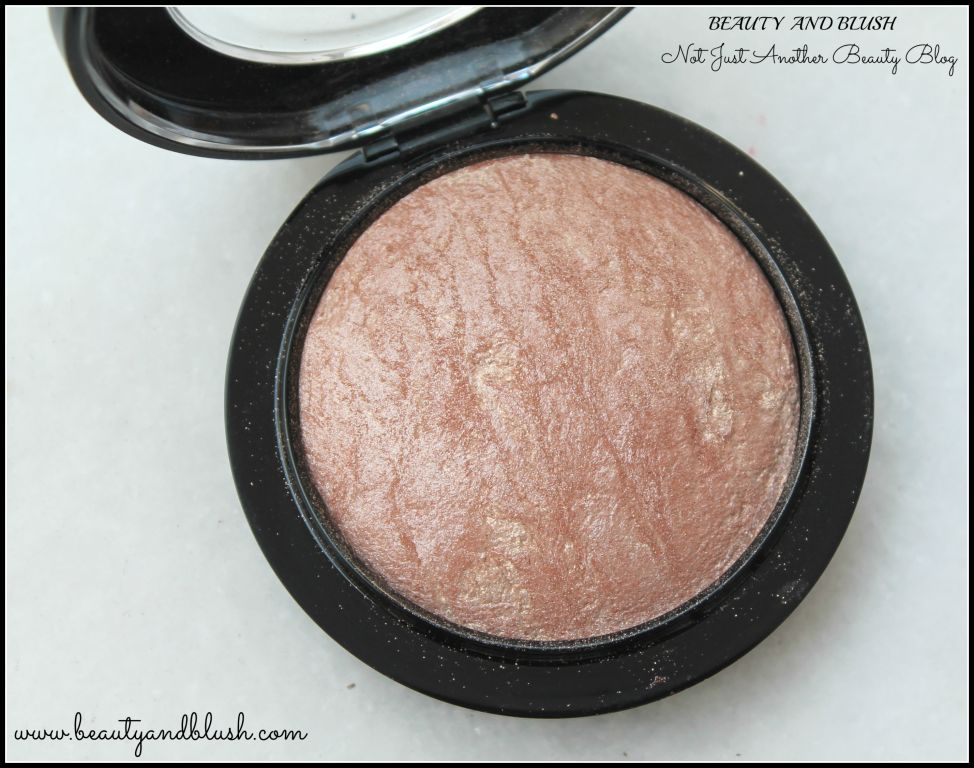 Mac Mineralize Skinfinish in Soft and Gentle Review and Swatches